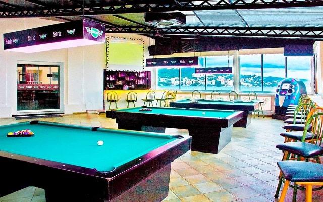 Hotel Las Torres Gemelas, disfruta un juego de billar