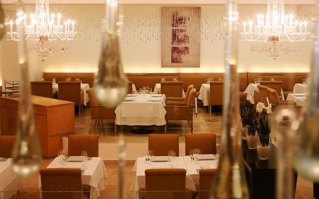 Hotel Le Blanc Spa Resort, gastronomía nacional e internacional