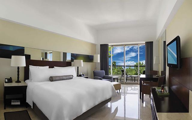 Hotel Live Aqua Beach Resort Cancún, lujosas habitaciones bien equipadas