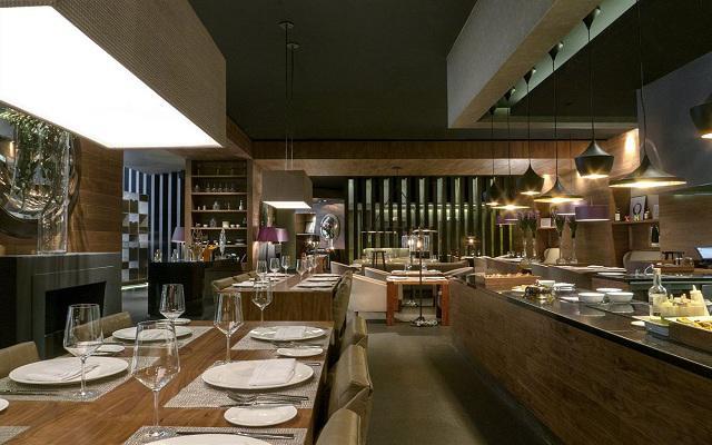 Hotel Live Aqua Urban Resort México, deléitate con deliciosos platillos