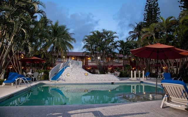 Hotel Los Andes, disfruta de su alberca al aire libre