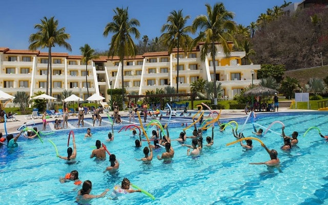 Hotel Los Ángeles Locos, programa de entretenimiento
