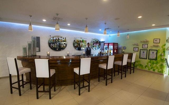 Hotel Los Ángeles Locos, disfruta una copa en el bar