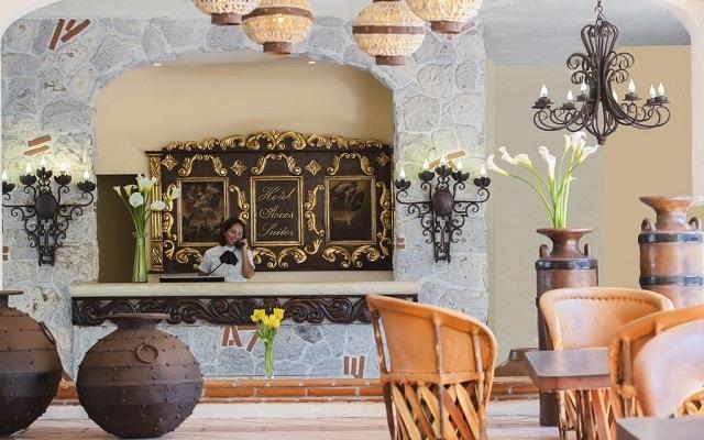 Hotel Los Arcos Suites Vallarta Centro, atención personalizada desde el inicio de tu estancia