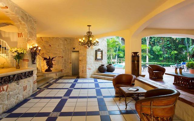 Hotel Los Arcos Suites Vallarta Centro, buena ubicación
