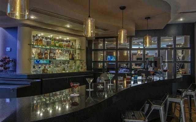Hotel Lucerna Ciudad Juarez Enjoy A Drink At The Bar