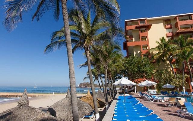 Hotel Luna Palace Mazatlán, amenidades en la playa