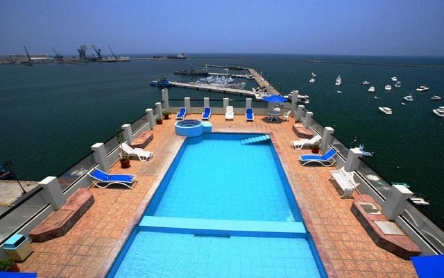 Hotel Mar y Tierra, disfruta de su alberca con vistas al mar