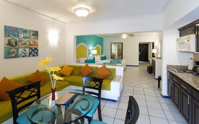 Hotel Marina Fiesta Resort and Spa, espacios diseñados para tu descanso