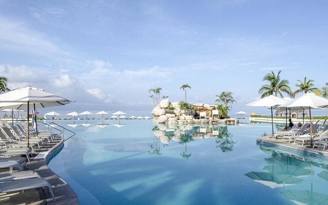 Hotel Marriott Puerto Vallarta Resort & Spa, disfruta de su alberca al aire libre