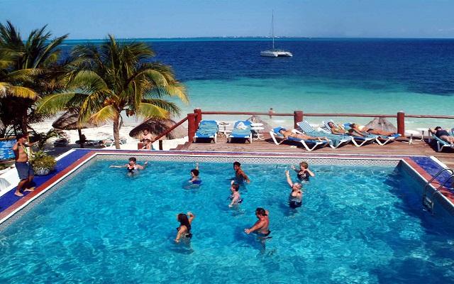 Hotel Maya Caribe Beach House by Faranda Hotels, realiza actividades divertidas