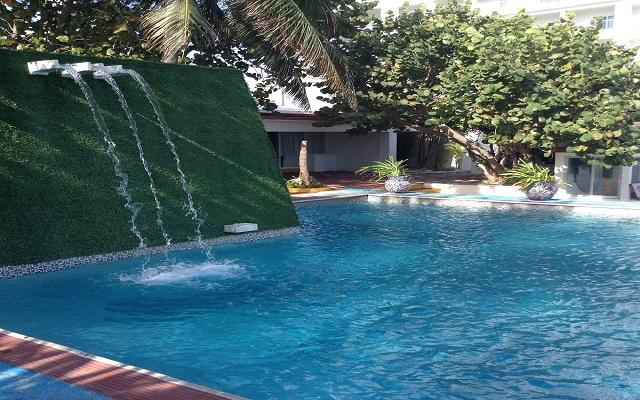 Hotel Maya Caribe Beach House by Faranda Hotels, disfruta su alberca al aire libre