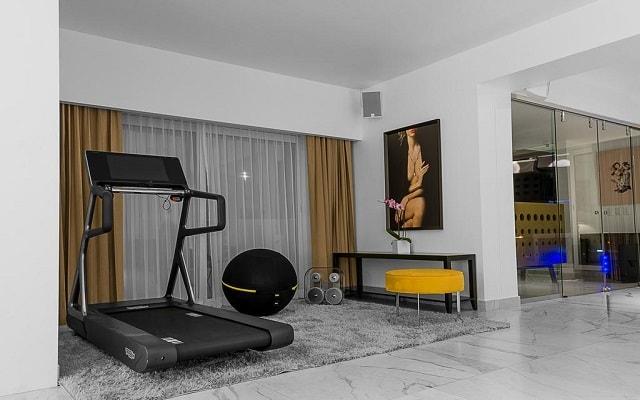 Hotel ME Cabo, spa con gimnasio y circuito de hidroterapia