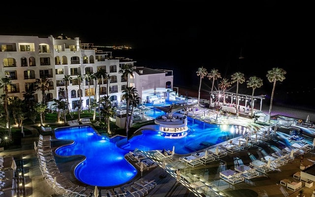 Hotel ME Cabo, noches inolvidables