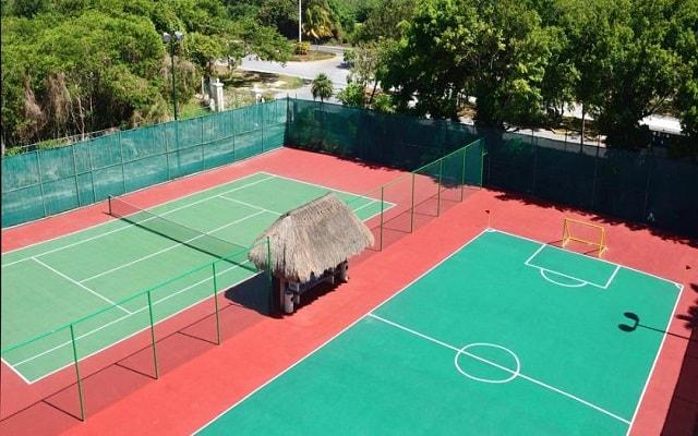 Hotel Meliá Cozumel Golf All Inclusive, diviértete jugando al tenis