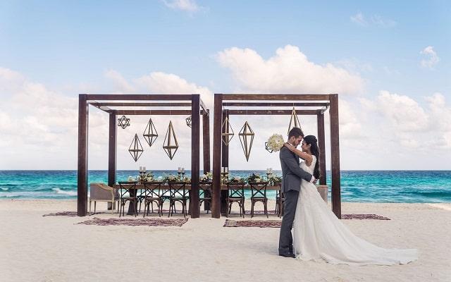 Hotel Melody Maker Cancún, cuenta con lindos escenarios para eventos