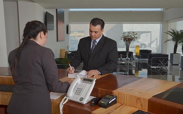 Hotel Misión Express Monterrey Aeropuerto La Fe, atención personalizada desde el inicio de tu estancia