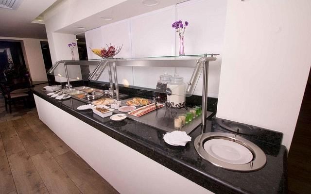 Hotel Misión Express Tampico, rico y variado menú