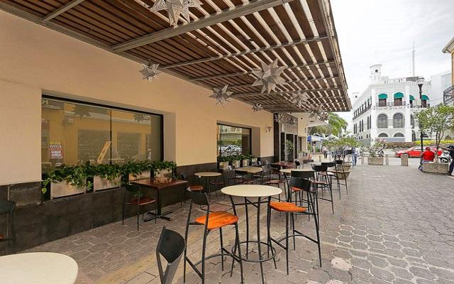 Hotel Misión Express Villahermosa, disfruta una copa en ambientes agradables