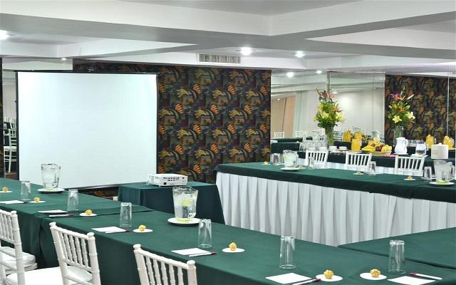 Hotel Misión Express Zona Rosa, salones equipados como lo requieras