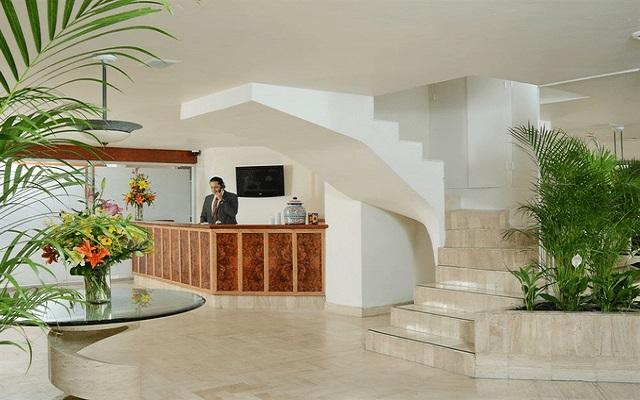Hotel Misión Express Zona Rosa, atención personalizada desde el inicio de tu estancia
