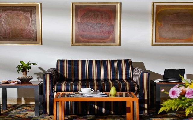 Hotel Misión Express Zona Rosa, espacios acogedores para tu descanso