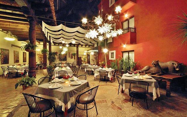 Disfruta de una cena con un ambiente romántico