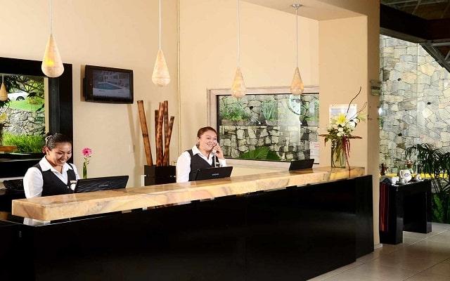 Hotel Misión Grand Valle de Bravo, atención personalizada desde el inicio de tu estancia