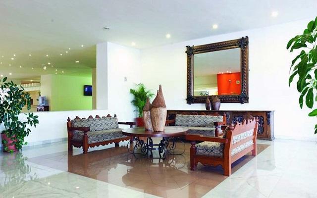Hotel Misión Guadalajara Carlton, lobby