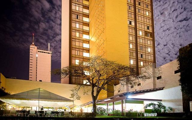 Hotel Misión Guadalajara Carlton, linda vista nocturna