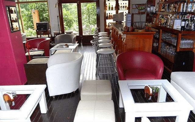 Hotel Misión Los Cocuyos, deléitate con una copa en el bar