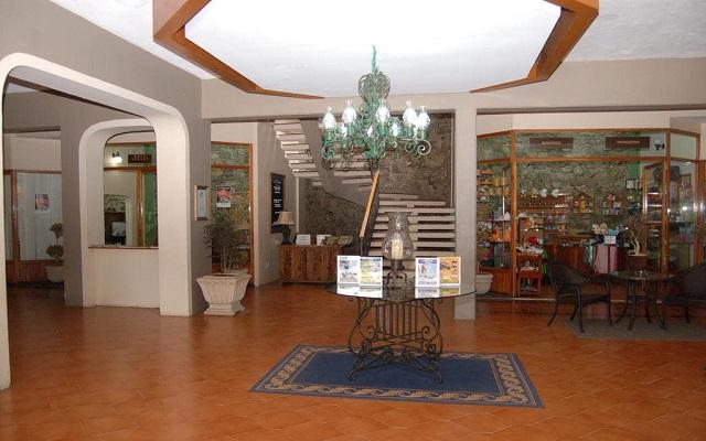 Hotel Misión Los Cocuyos, lobby