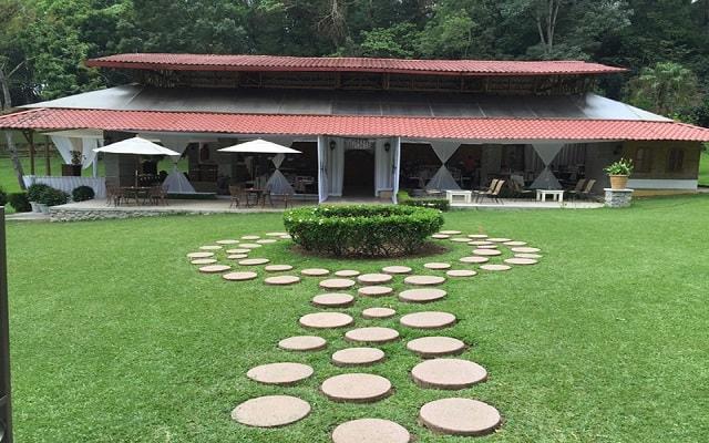 Hotel Misión Los Cocuyos, hermosos jardines rodean la propiedad