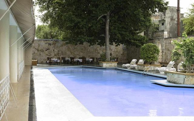 Hotel Misión Mérida Panamericana, puedes asolearte en un espacio lleno de confort