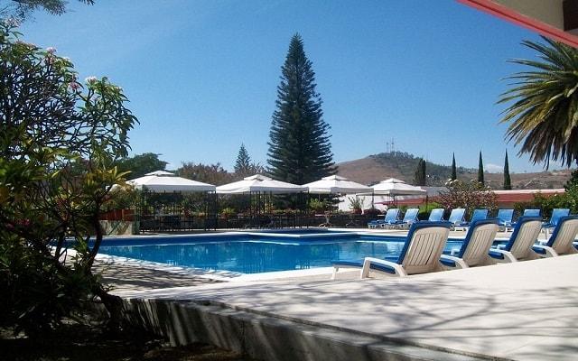 Hotel Misión Oaxaca, disfruta de su alberca al aire libre