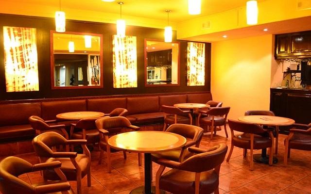 Hotel Misión Orizaba, Piano Bar Los Vitrales
