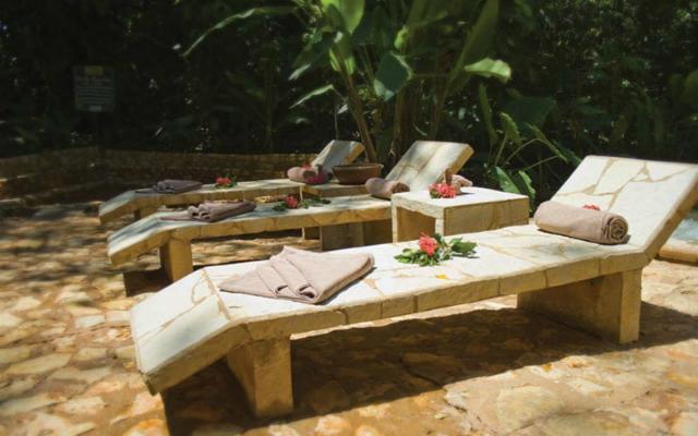 Hotel Misión Palenque, descansa en un ambiente rodeado de la selva