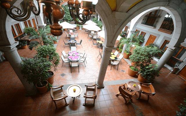 Hotel Misión Pátzcuaro Centro Histórico, cuenta con amplias áreas comunes