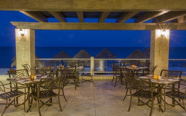 Hotel Moon Palace Cancún, disfruta una cena con vistas del mar