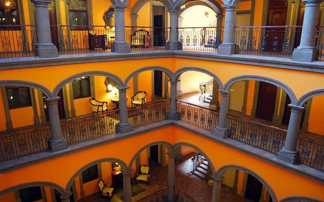 Sus instalaciones son una mezcla de estilo colonial y  contemporáneo