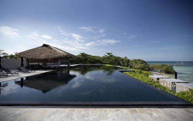 Hotel Nizuc Resort and Spa, disfruta de su alberca al aire libre