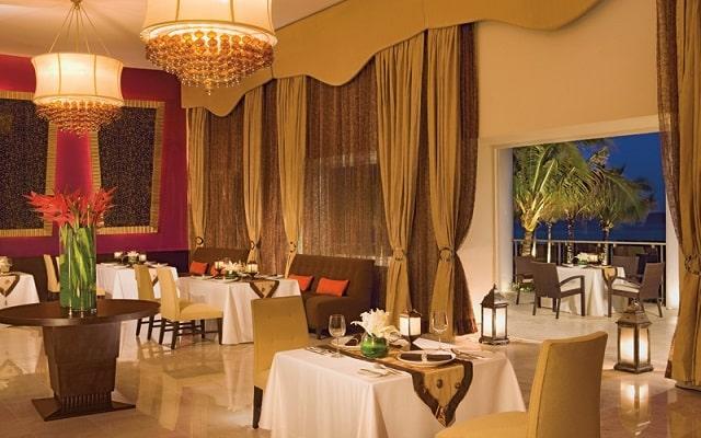 Hotel Now Jade Riviera Cancún, prueba ricos menús