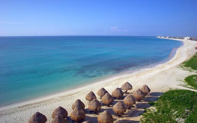 Hotel Now Jade Riviera Cancún, disfruta la playa