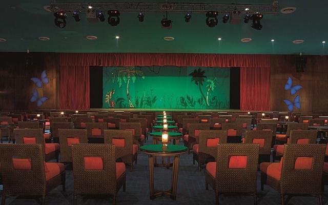 Hotel Now Jade Riviera Cancún, programa de entretenimiento nocturno en el teatro