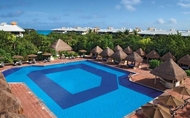 Hotel Now Sapphire Riviera Cancún, disfruta de su alberca al aire libre