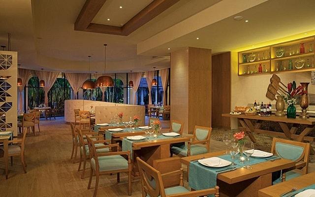 Hotel Now Sapphire Riviera Cancún, lujo y diseño