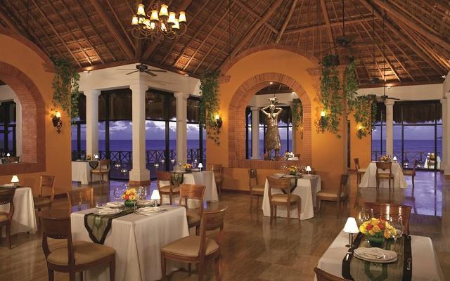 Hotel Now Sapphire Riviera Cancún, variados menús de cocina nacional e internacional