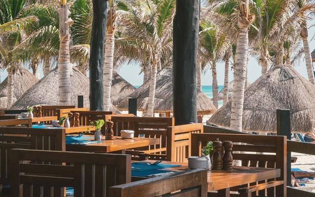 Hotel NYX Cancún, Restaurante Deck
