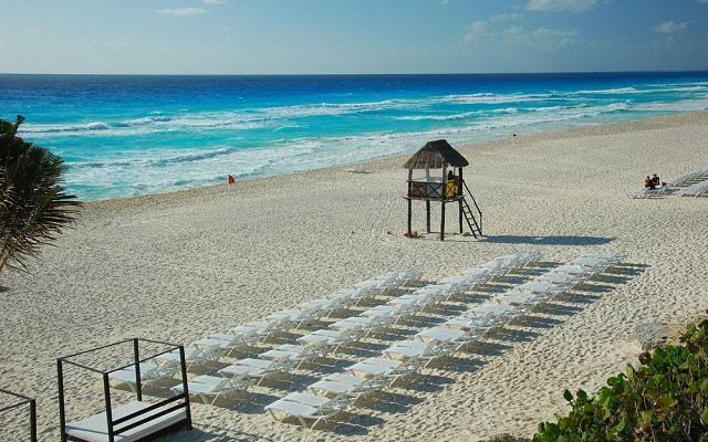 Hotel Oasis Cancún Lite, buena ubicación a pie de playa