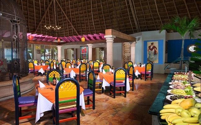 Hotel Oasis Palm, escenario ideal para tus alimentos